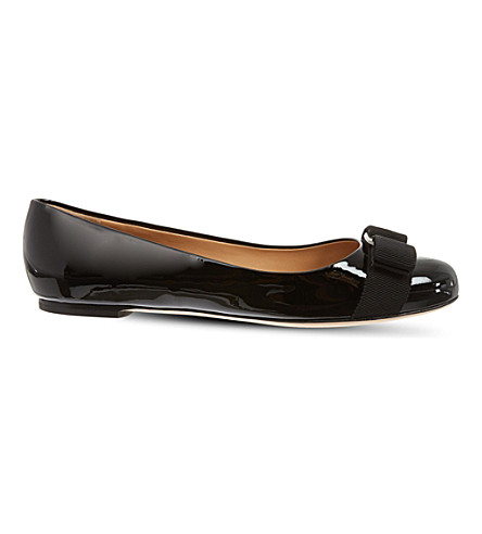 SALVATORE FERRAGAMO Vara patent-leather ballet flats (Black