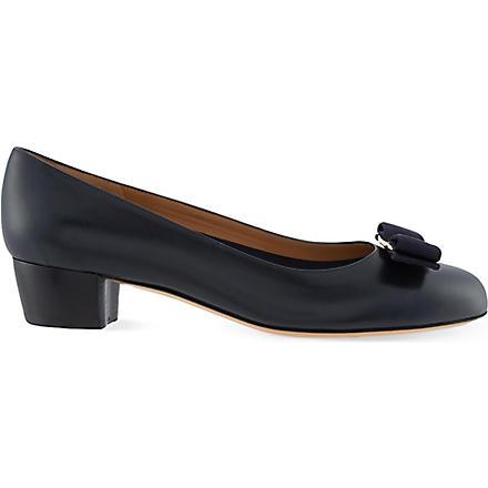 FERRAGAMO Vara leather court shoes (Blue/dark