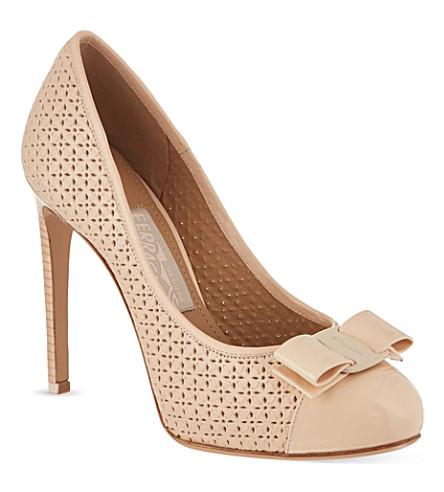 SALVATORE FERRAGAMO Rilly cut court shoes (Fushia