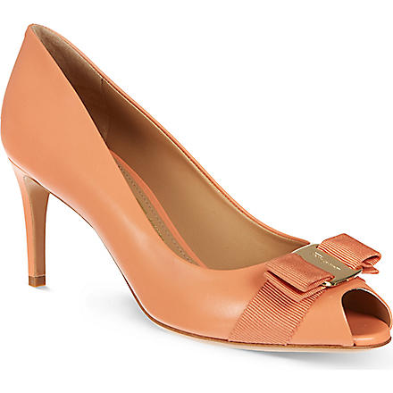 FERRAGAMO Pola leather courts (Salmon