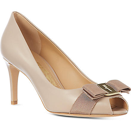 FERRAGAMO Pola leather court shoes (Taupe