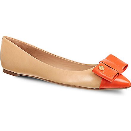 TORY BURCH Aimee pumps (Nude