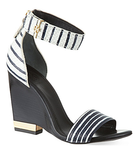 TORY BURCH Carolyn snakeprint wedge sandals (White/navy
