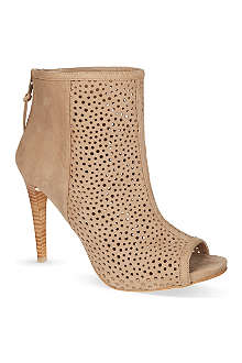 STUART WEITZMAN In and Out ankle boots