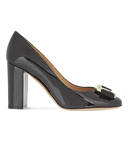 SALVATORE FERRAGAMO Ninna 85 patent-leather courts (Black