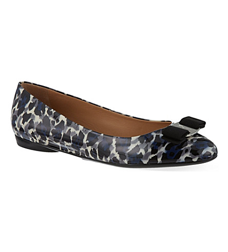 FERRAGAMO Varina patent-leather leopard-print pumps (Grey/other