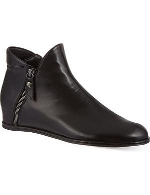 STUART WEITZMAN Lowkey ankle boots