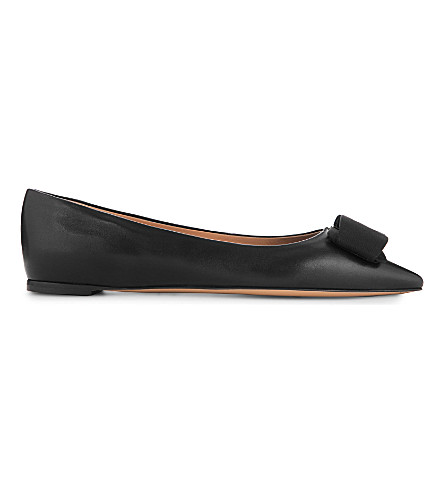 SALVATORE FERRAGAMO Mimi pointed-toe flats (Black