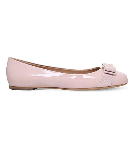 SALVATORE FERRAGAMO Varina patent-leather flats (Pale pink