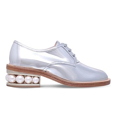 NICHOLAS KIRKWOOD Casati patent leather pearl derbys (Silver