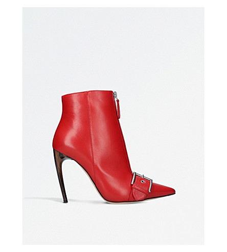 ALEXANDER MCQUEEN Pointy leather ankle boots (Red+comb