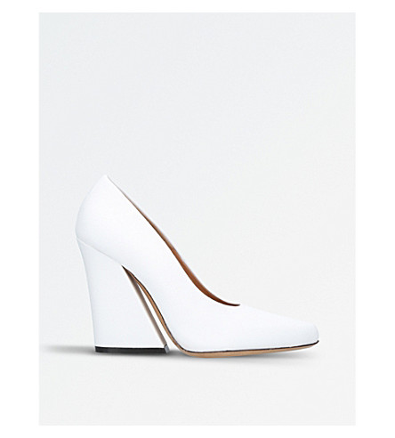DRIES VAN NOTEN Flare leather court heels (White