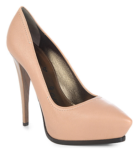 LANVIN Textured leather courts (Nude