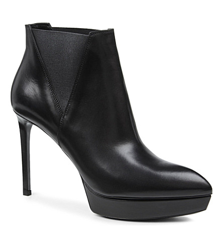 SAINT LAURENT Classic Janis boots in black leather (Black