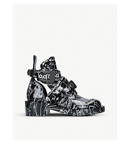 BALENCIAGA Mollie graffiti-print leather boots (Blk/other