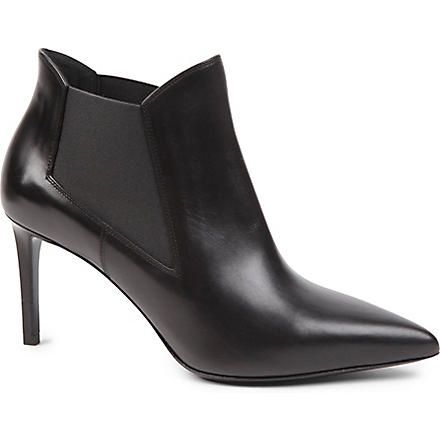 SAINT LAURENT Classic Paris chelsea ankle boots in black leather (Black