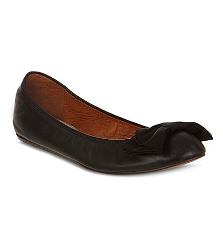 KURT GEIGER Round toe bow pumps (Black