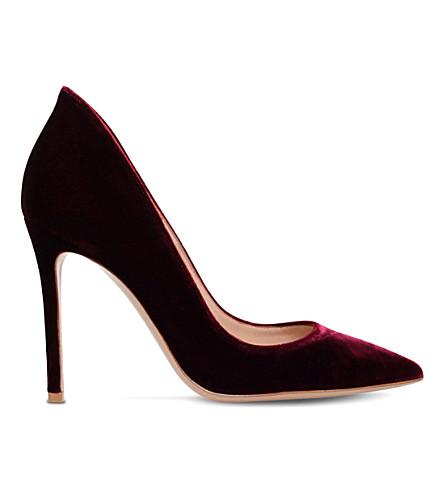 GIANVITO ROSSI High-collar velvet courts (Red/dark