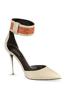 NICHOLAS KIRKWOOD Rue court shoes