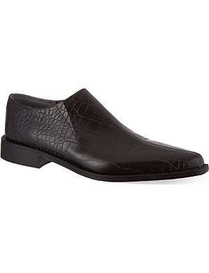 COMME DES GARCONS Heong pointed shoes