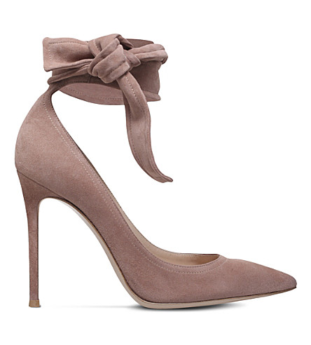 GIANVITO ROSSI Lane 105 suede courts (Nude