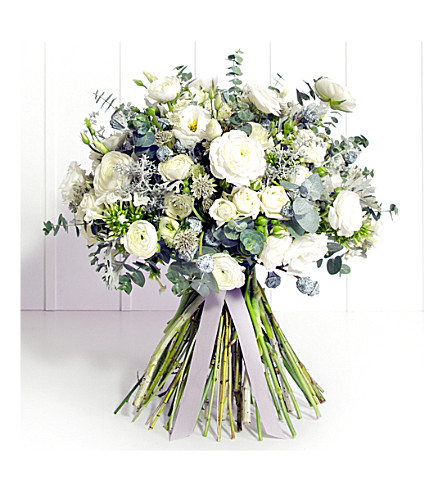 PHILIPPA CRADDOCK Classic white winter bouquet