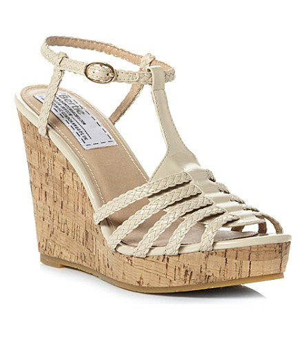 BERTIE Gleen wedge sandals (Cream-patent synthetic