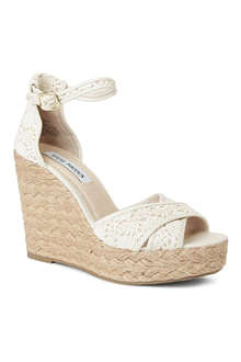 STEVE MADDEN Marrvil crochet wedge sandals