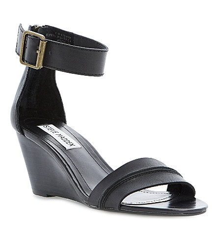 STEVE MADDEN Neliee leather wedge sandals (Black-plain synthetic
