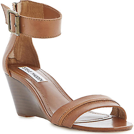 STEVE MADDEN Neliee leather wedge sandals (Tan-synthetic