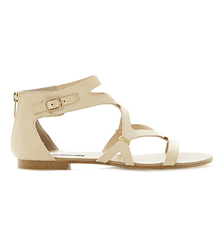 STEVE MADDEN Comma gladiator sandal (Off-white-plain+syntheti