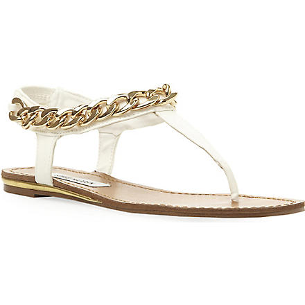 STEVE MADDEN Hotstuff chain detail toe post sandal (White-synthetic