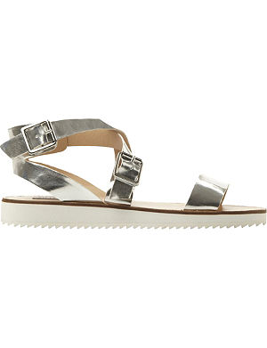 STEVE MADDEN Melllow cleated flat sandals