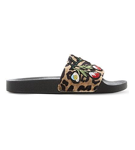 STEVE MADDEN Leopard-print embellished slider (Leopard-fabric