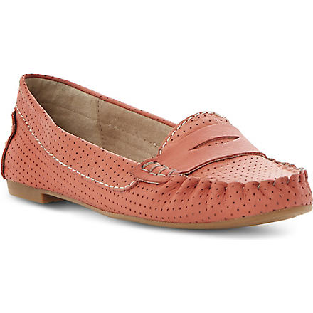 STEVE MADDEN Murphey perforated leather loafers (Coral-plain synthetic