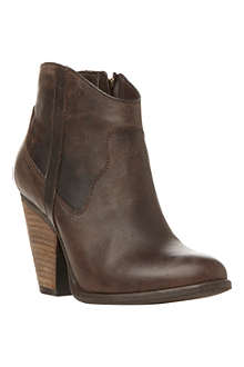 STEVE MADDEN Riffle leather ankle boots