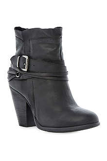 STEVE MADDEN Raffa buckle trim ankle boots
