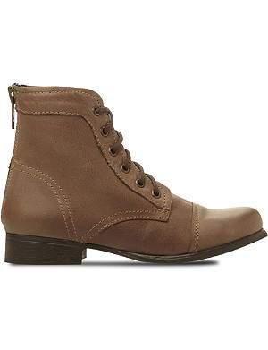 STEVE MADDEN Tuundra lace up boots