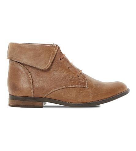 STEVE MADDEN Stingrei flat boots (Tan leather