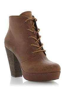 STEVE MADDEN Raspy leather lace up ankle boot
