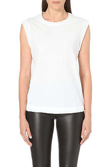REISS Piping detail top
