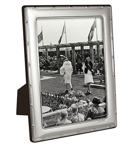 CARRS OF SHEFFIELD Reed and Ribbon sterling silver photo frame 10