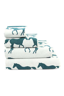 ANORAK Kissing Horses towels