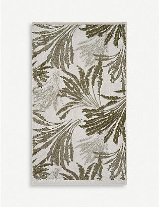 YVES DELORME: Palmea floral-print cotton bath sheet 150cm x 92cm
