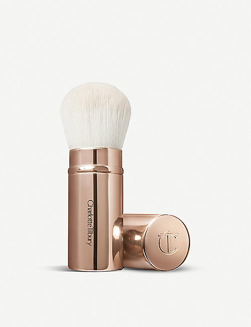 CHARLOTTE TILBURY The Air-Brush kabuki bronzing brush