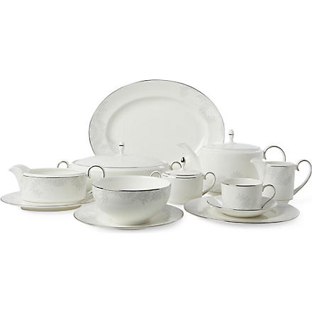 VERA WANG @ WEDGWOOD Trailing Vines range