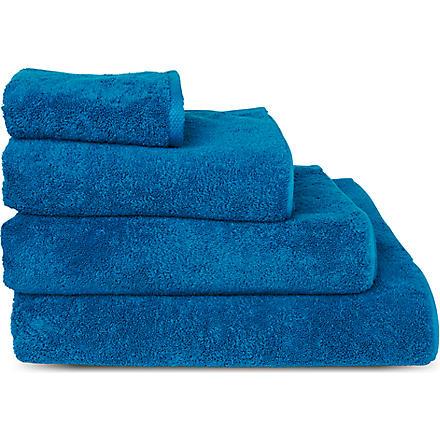 SELFRIDGES Cyan towels