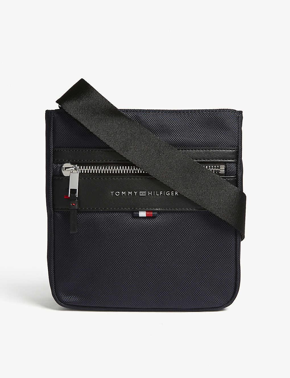 04a07b75074d9 TOMMY HILFIGER - Elevated Mini Reporter crossbody bag