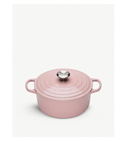 ... LE CREUSET Signature cast iron casserole dish 24cm. PreviousNext 68427883db40