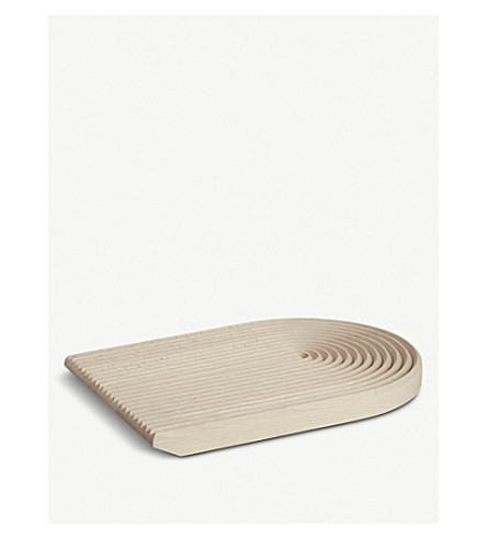 field-rounded-wooden-bread-board by hay